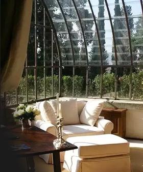 長春陽光房為您分析關于做陽光房用鋁合金結構好還是鋼結構好?